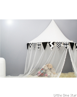 Canopy | Black & White Triangle Flagline with mosquito netting