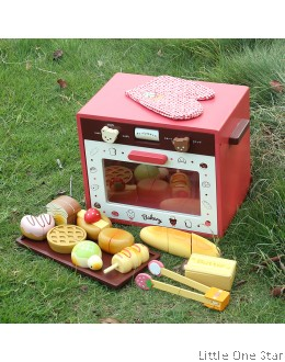 Wooden Toys: Bear Theme Oven with breads