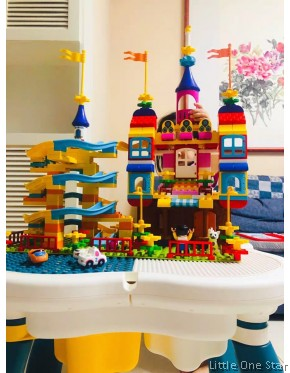 209 Castle slides Building blocks + Table + Chair