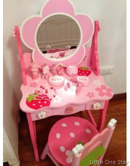 Wooden Toys: Super Big Dressing Table with Chair and Accesories